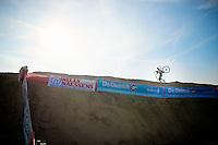Bart Wellens (BEL/Telenet-Fidea) recons The Sand Dune<br /> <br /> Jaarmarktcross Niel 2014