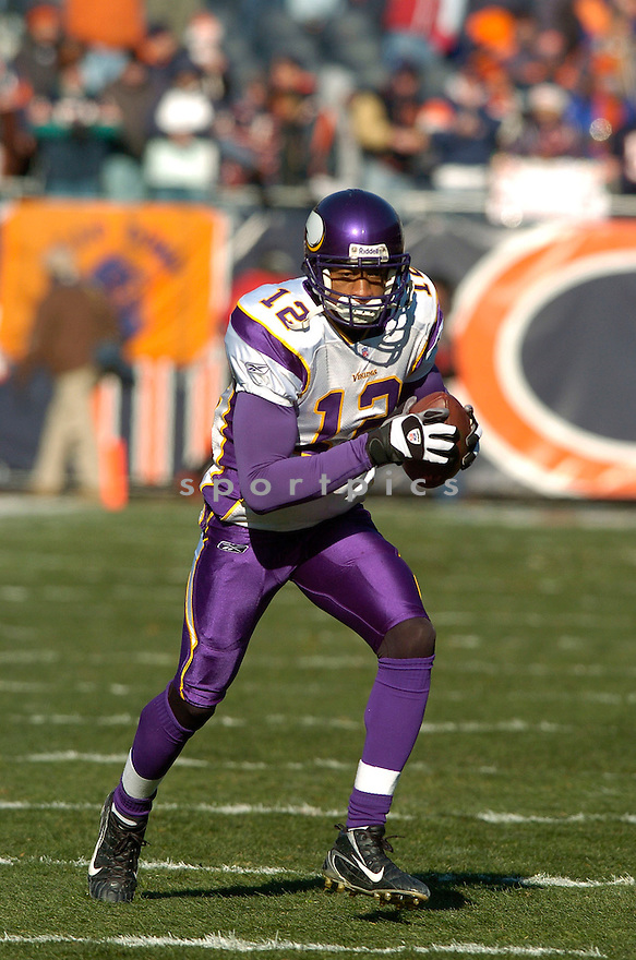 BILLY MCMULLEN, of the Minnesota Vikings during their game  against the Chicago Bears on December 03, 2006 in Chicago, IL...Bears win 23-13...DAVID DUROCHIK / SPORTPICS