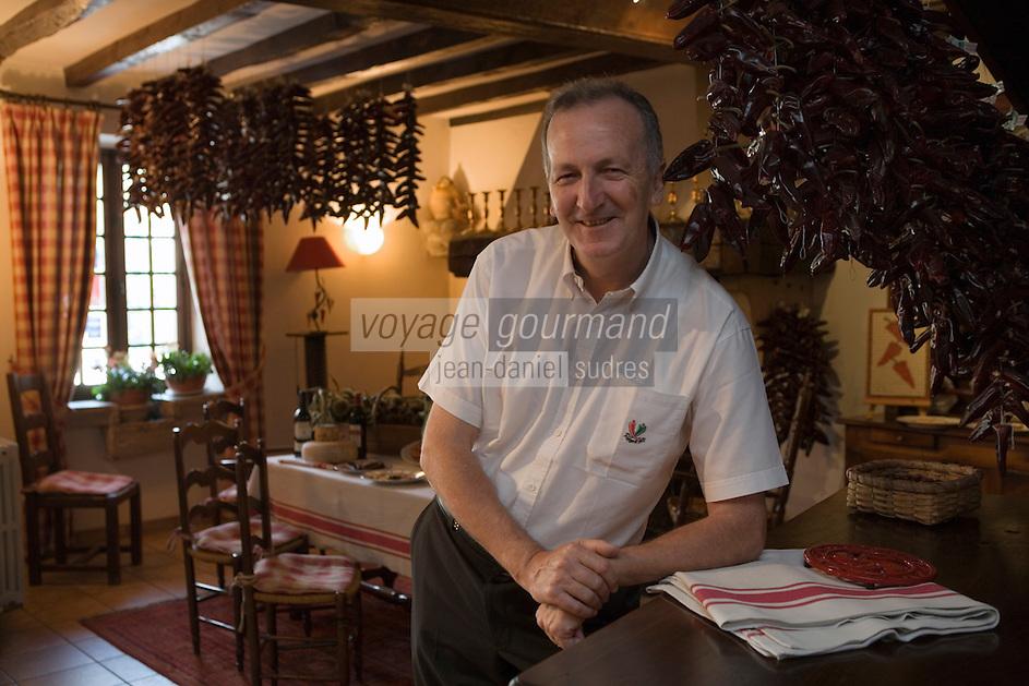 """Europe/France/Aquitaine/64/Pyrénées-Atlantiques/ Espelette :  André Darraidou chef de l' Hotel-Restaurant """"Euzkadi"""""""