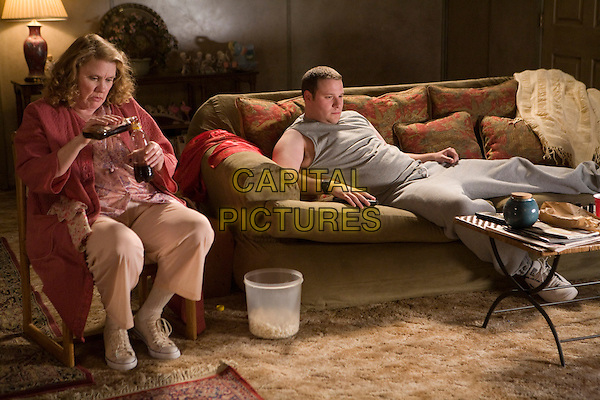 CELIA WESTON & SETH ROGEN .in Observe and Report .*Filmstill - Editorial Use Only*.CAP/FB.Supplied by Capital Pictures.