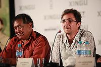 SAO PAULO, 27 DE MARÇO DE 2012. ENTREVISTA COLETIVA FILME XINGU.  Os atores Tabata Kiukuro e João Miguel participam da entrevista coletiva sobre o filme Xingu que conta a história dos irmãos Villas Boas e a criação do Parque Indígena do Xingu . FOTO: ADRIANA SPACA - BRAZIL PHOTO PRESS