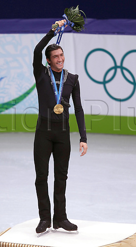 19 02 2010 Copyright Actionplus/Bild13 Vancouver  Olympic Games Vancouver 2010 Figure skating Men Singles Evan Lysacek USA with Gold medal OS Games Winter Winter Games Vancouver Figure skating men Award Ceremony.  Photo : Imago/Actionplus. UK Licenses Only