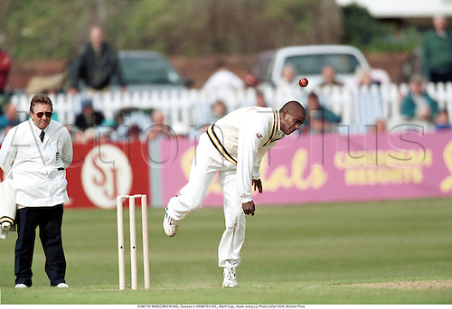DIMITRI MASCARENHAS, Sussex v HAMPSHIRE, B&H Cup, Hove 000423 Photo:Glyn Kirk/Action Plus...2000.County Cricket.Bowler.bowling