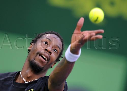 03.01.2012. Dohar, Qatar. ATP Qatar Open Tennis tournament. Frances Gael Monfils serves The Ball during the mens single match.