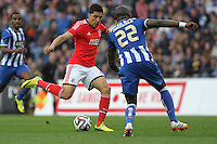 Benfica's Argentinian midfielder Enzo Perez and Porto's French defender Eliaquim Mangala during the League Cup football match between FC Porto and SL Benfica at Dragão Stadium in Porto on April 27, 2014 (PC: Pedro Lopes/Brazil Photo Press)