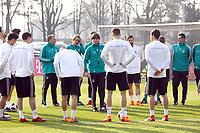 Mannschaftsbesprechung mit Bundestrainer Joachim Loew (Deutschland Germany) - 25.03.2018: Training der Deutschen Nationalmannschaft, Olympiastadion Berlin