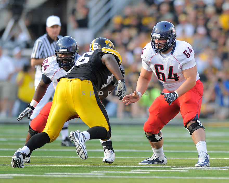 COLIN BAXTER, of the Arizona Wildcats, in action during the Wildcats game against the Iowa Hawkeys on September 19, 2009 in Iowa City, Iowa. TheHawkeys  beat the Wildcats  21-17 ...