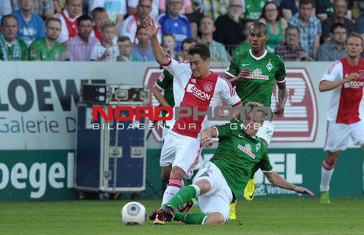 19.07.2013, MEP-Arena, Meppen, GER, 1.FBL, FSP, Werder Bremen vs Ajax Amsterdam, im Bild Bojan (Amsterdam #7), Felix Kroos (Bremen #18)<br /> <br /> Foto &copy; nph / Frisch