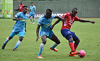 MONTERÍA - COLOMBIA ,20-10-2018: Ramon Cordoba (Izq.) jugador de Jaguares de Córdoba disputa el balón con Juan Fernando Caicedo (Der.) jugador del Independiente Medellín durante partido por la fecha 16 de la Liga Águila II 2018 jugado en el estadio Municipal Jaraguay de Montería . / Ramon Cordoba (L) player of Jaguares of Cordoba fights for the ball with Juan Fernando Caicedo (R) player of Independiente Medellin  during the match for the date 16 of the Liga Aguila II 2018 played at Municipal Jaraguay Satdium in Monteria City . Photo: VizzorImage /Andrés Felipe López  / Contribuidor.