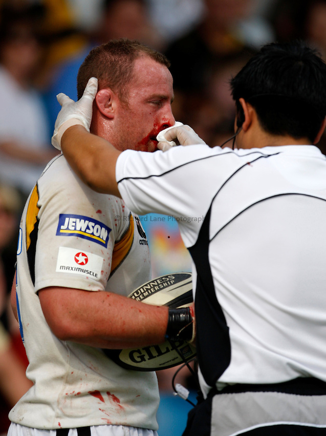 Photo: Richard Lane/Richard Lane Photography..Leeds Carnegie v London Wasps. Guinness Premiership. 10/05/2008. Wasps' Joe Ward with a bleeding nose.