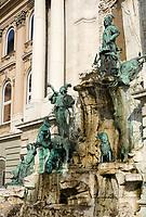 HUN, Ungarn, Budapest, Budaer Burgberg, Burgviertel: Matthias-Brunnen beim Budaer Burgpalast   HUN, Hungary, Budapest, Castle District: Matthias fountain at Royal Palace