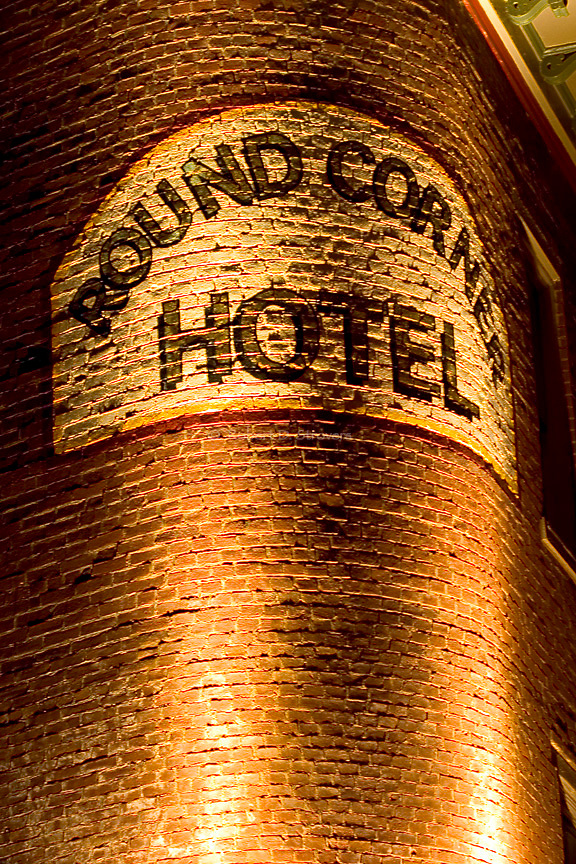 Pittsburgh's Neighborhoods - Lawrenceville - Round Corner Hotel