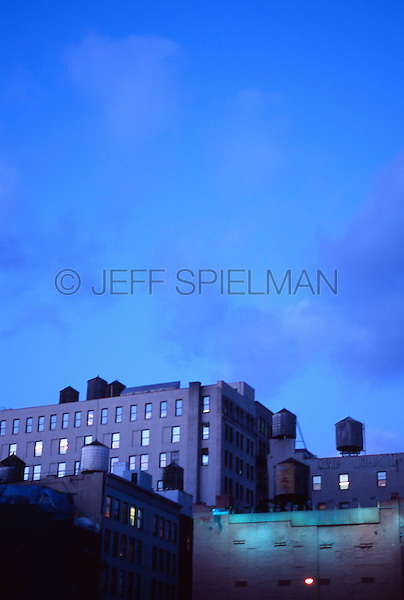 AVAILABLE FOR EDITORIAL AND COMMERCIAL LICENSING FROM GETTY IMAGES.  Please go to www.getyimages.com and search for image # a0142-000083<br />