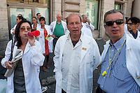 Roma 26 Luglio 2012.Sciopero dei farmacisti  di Federfarma per protestare contro i tagli previsti dal decreto del governo sulla spending review