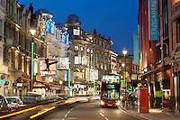 United Kingdom, England, London: Shaftesbury Avenue theatres | Grossbritannien, England, London: Shaftesbury Avenue, die Theaterstrasse Londons