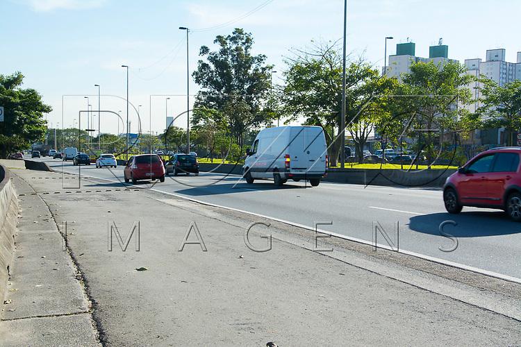 Marginal Tietê, São Paulo - SP, 07/2016.