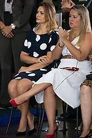 BRASILIA, DF, 11.01.2019 - BOLSONARO-EXERCITO-    A primeira-dama, Michele Bolsonaro e a esposa do vice-presidente, Hamilton Mourão, Paula Mourão, durante a solenidade de Passagem de Comando do Exército do senhor general de Exército Eduardo Dias da Costa Villas Boas ao senhor general de Exército Edson Leal Pujol, nesta sexta, 11.(Foto:Ed Ferreira/Brazil Photo Press)