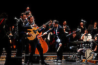 Cerimonia di consegna del premio Le Maschere del Teatro Italiano al Teatro San Carlo di Napoli , 5 Settembre 2014<br /> nella i musica da ripostiglio