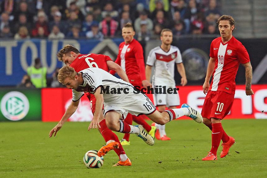 Christoph Kramer (D) gegen Maciej Rybus (PL) - Deutschland vs. Polen, WM-Vorbereitung Testspiel, Imtech Arena Hamburg