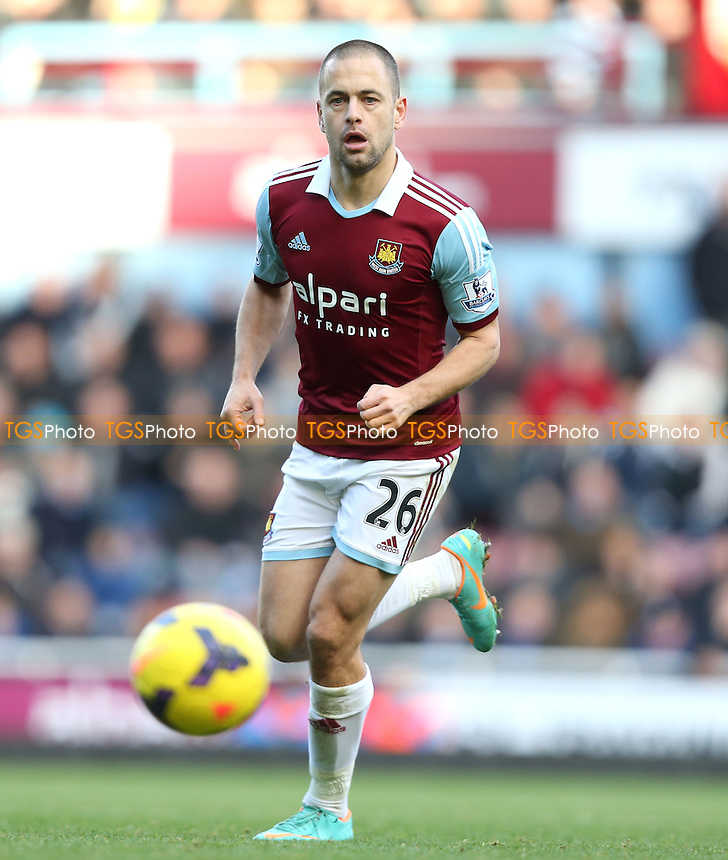 Joe Cole of West Ham - West Ham United vs West Bromwich Albion, Barclays Premier League at Upton Park, West Ham - 28/12/13 - MANDATORY CREDIT: Rob Newell/TGSPHOTO - Self billing applies where appropriate - 0845 094 6026 - contact@tgsphoto.co.uk - NO UNPAID USE