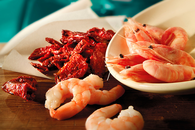 prawns, Prawns, Shellfish, shellfish,  shell, fish, sun dried tomatoes, sundried tomato, food photos; www.funkystock.eu; photographer Paul E Williams