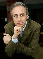 Il giornalista Marco Travaglio ritratto a Roma, 13 marzo 2009..Italian journalist Marco Travaglio portrayed in Rome, 13 march 2009..UPDATE IMAGES PRESS/Riccardo De Luca