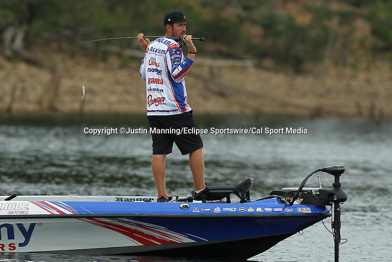 August 21, 2015: Day one leader Jake Wheeler looking for breaking fish and puzzled on day two of the Forrest Wood Cup on Lake Ouachita in Hot Springs, AR. Justin Manning/ESW/CSM
