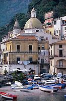 Europe/Italie/Côte Amalfitaine/Campagnie/Cetara : Port et le Duomo