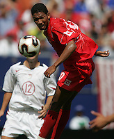 July 24, 2005: East Rutherford, NJ, USA:  Panama's Engin Mitre (20) heads the ball in the box during the CONCACAF Gold Cup Finals at Giants Stadium.  The USMNT won 3-1 on penalty kicks.