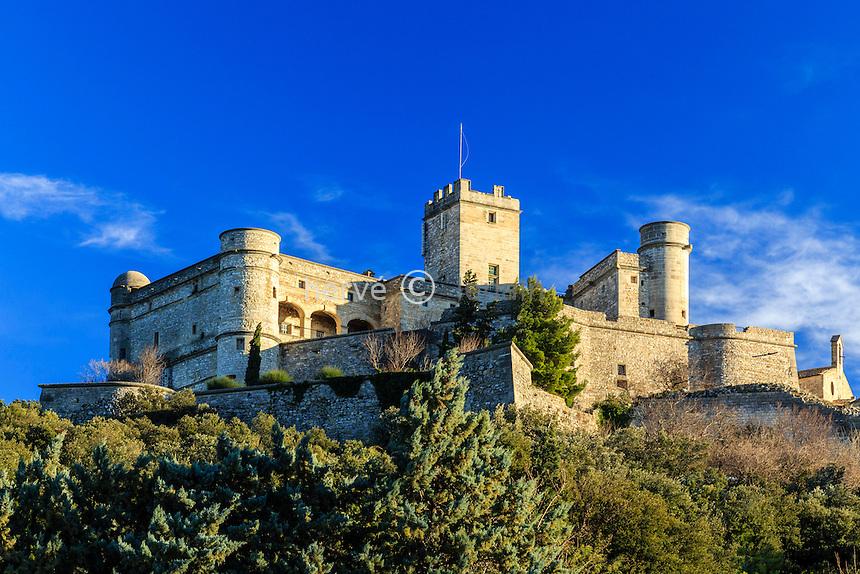 France, Vaucluse (84), Le Barroux, château du Barroux // France, Vaucluse, Le Barroux, the castle