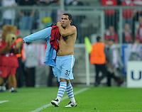 FUSSBALL   CHAMPIONS LEAGUE   SAISON 2011/2012     27.09.2011 FC Bayern Muenchen - Manchester City Abgeng; Carlos Tevez (Manchester City) nach Trikottausch