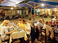 ZYPERN, Sued-Zypern, Polis: Restaurants auf dem Main Square   CYPRUS, South-Cyprus, Polis: Dining in Main Square