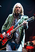 Oct 11, 2014: TOM PETTY & The Heartbreakers - The Forum Los Angeles CA USA