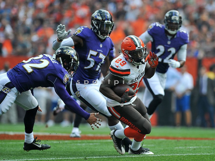 CLEVELAND, OH - JULY 18, 2016: Running back Duke Johnson #29 of the Cleveland Browns carries the ball in the first quarter of a game against the Baltimore Ravens on July 18, 2016 at FirstEnergy Stadium in Cleveland, Ohio. Baltimore won 25-20. (Photo by: 2017 Nick Cammett/Diamond Images)  *** Local Caption *** Duke Johnson(SPORTPICS)