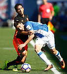 CD Leganes' Omar Ramos (r) and Valencia CF's Daniel Parejo during La Liga match. September 25,2016. (ALTERPHOTOS/Acero)