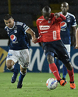 BOGOTA - COLOMBIA, 04-08-2018: Jhon Duque Arias (Izq) jugador de Millonarios disputa el balón con Juan F Caicedo (Der) jugador de Deportivo Independiente Medellín durante partido por la fecha 3 de la Liga Águila II 2018 jugado en el estadio Nemesio Camacho El Campin de la ciudad de Bogotá. / Jhon Duque Arias (L) player of Millonarios fights for the ball with Juan F Caicedo (R) player of Deportivo Independiente Medellin during the match for the date 3 of the Liga Aguila II 2018 played at the Nemesio Camacho El Campin Stadium in Bogota city. Photo: VizzorImage / Gabriel Aponte / Staff.