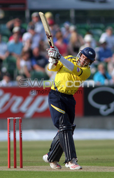 PICTURE BY VAUGHN RIDLEY/SWPIX.COM -  Cricket - Twenty20 Cup - Durham v Yorkshire - Riverside, Chester-le-Street, England - 03/07/06...? Simon Wilkinson - 07811 267706...Yorkshire's Michael Lumb hits a 4.