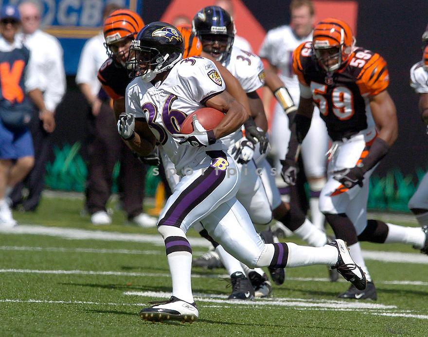BJ Sams during the Ravens v. Bengals game on September 26, 2004..Chris Bernacchi / SportPics