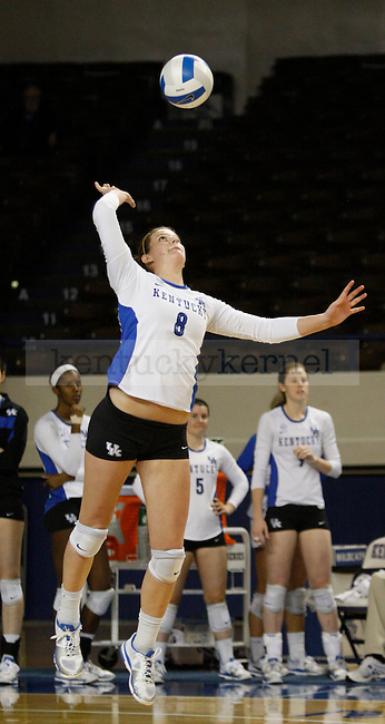 Gretchen Giesler of the UK Women's Volleyball team serves the ball against Arkansas on 11/20/11 in Lexington, Ky. Photo by Quianna Lige | Staff