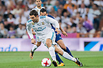 Mateo Kovacic (l) of Real Madrid competes for the ball with Andre Filipe Tavares Gomes of FC Barcelona during their Supercopa de Espana Final 2nd Leg match between Real Madrid and FC Barcelona at the Estadio Santiago Bernabeu on 16 August 2017 in Madrid, Spain. Photo by Diego Gonzalez Souto / Power Sport Images