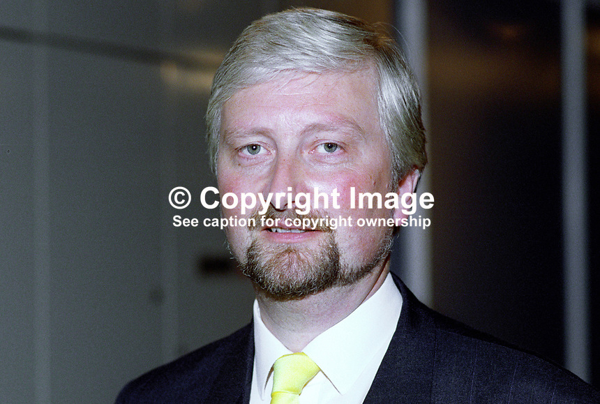 Nigel Jones, MP, Cheltenham, Liberal Democrat, UK, 19920904NJ.<br />