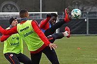 Kevin-Prince Boateng (Eintracht Frankfurt) gegen Danny da Costa (Eintracht Frankfurt) - 05.12.2017: Eintracht Frankfurt Training, Commerzbank Arena