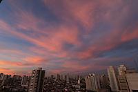 SÃO PAULO, SP, 25-05-2015, CLIMA-SP Amanhecer na cidade de São Paulo vista do bairro da Mooca na região leste da cidade nesta segunda-feira,25. (Luiz Guarnieri/ Brazil Photo Press)