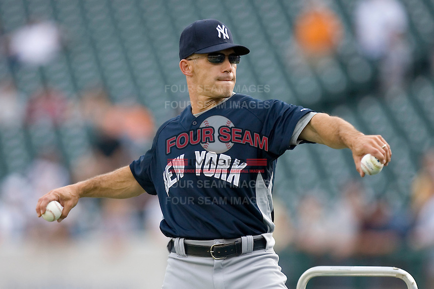 New York Yankees manager Joe Girardi throws batting practice at Comerica Park April 27, 2009 in Detroit, Michigan.  Photo by Brian Westerholt / Four Seam Images