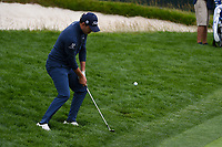 Patrick Cantlay (USA) chips on to 8 during round 1 of the 2019 US Open, Pebble Beach Golf Links, Monterrey, California, USA. 6/13/2019.<br /> Picture: Golffile | Ken Murray<br /> <br /> All photo usage must carry mandatory copyright credit (© Golffile | Ken Murray)
