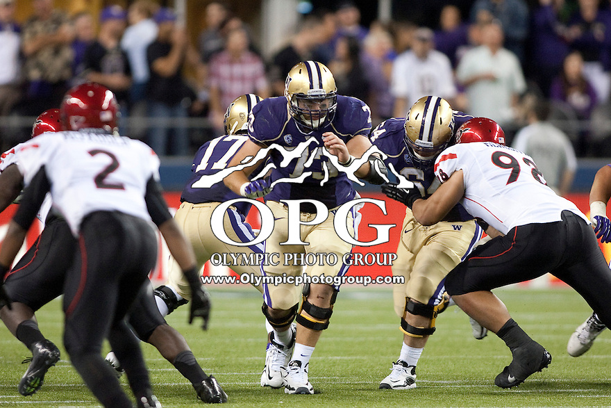 Sept 01, 2012:  Washington's Drew Schaefer against San Diego State.  Washington defeated San Diego State 21-12 at CenturyLink Field in Seattle, Washington...