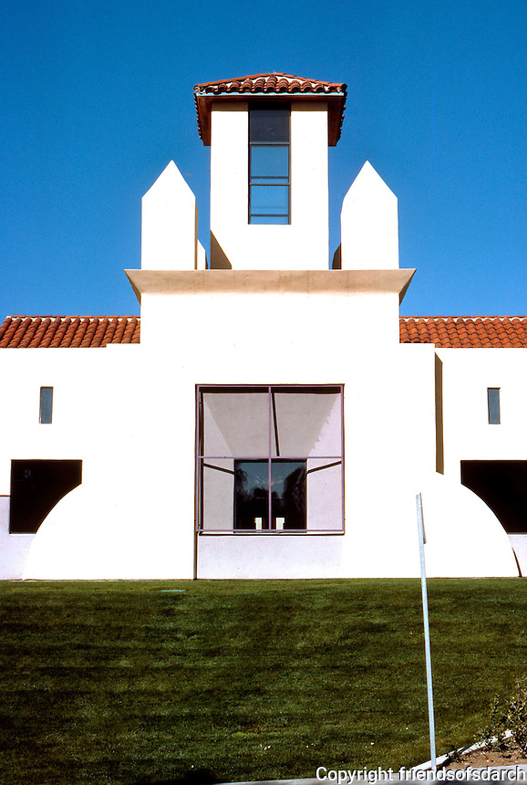 Michael Graves: San Juan Capistrano Library. Elevation detail.  Photo '86.