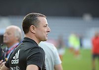 20181009 – BIEL BIENNE , SWITZERLAND : Belgian head coach Ives Serneels (left) pictured during the female soccer game between Switzerland and the Belgian Red Flames , the second leg in the semi finals play offs for qualification for the World Championship in France 2019 ; the first leg ended in equality 2-2 ;  Tuesday 9 th october 2018 at The Tissot Arena  in BIEL BIENNE , Switzerland . PHOTO SPORTPIX.BE | DAVID CATRY