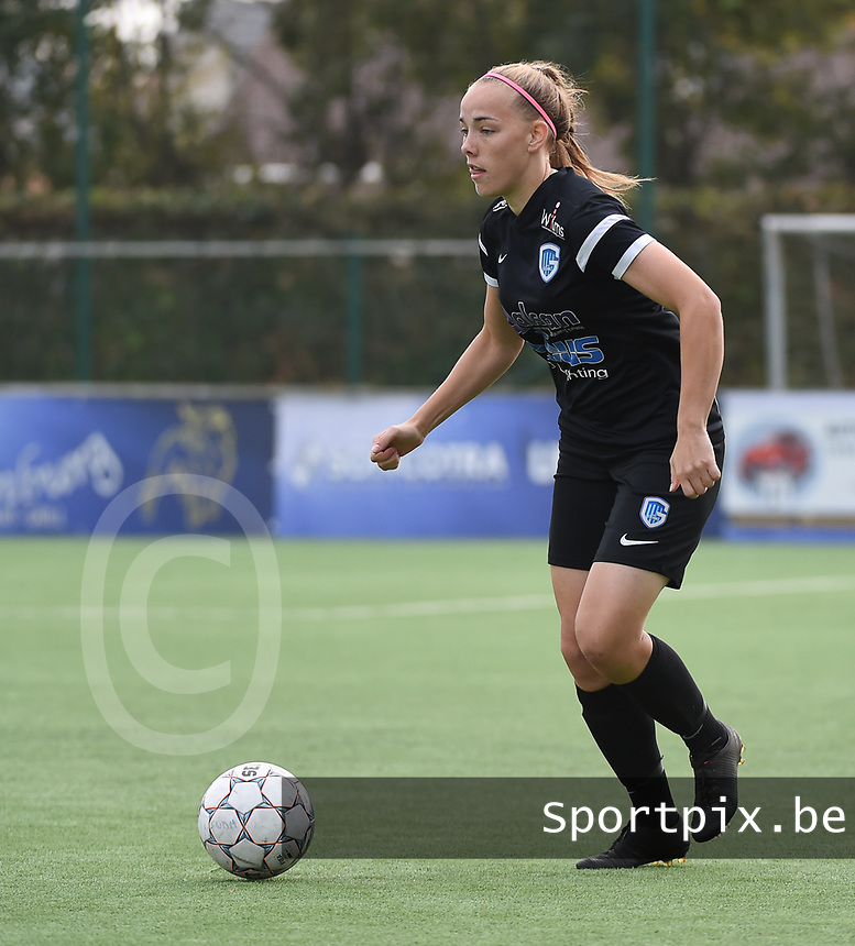 20181006 - DIKSMUIDE , BELGIUM : KRC Genk's Emmy Donne  pictured during a soccer match between the women teams of Famkes Westhoek Diksmuide Merkem and KRC GENK B  , during the 3th matchday in the 2018-2019  Eerste klasse - First Division season, Saturday 6 October 2018 . PHOTO SPORTPIX.BE | DIRK VUYLSTEKE