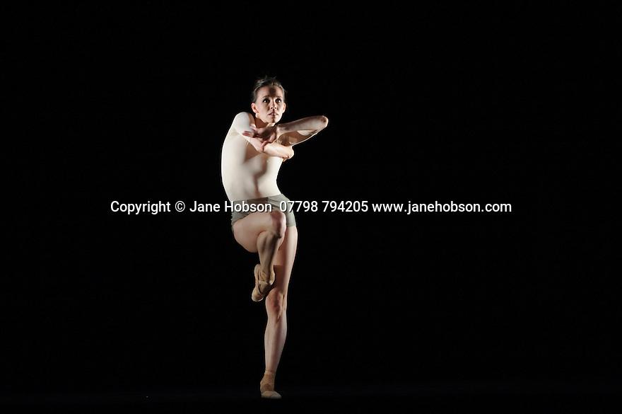 Ballett Zurich presents a double bill of KAIROS and SONNETT, at the Edinburgh Playhouse, as part of the Edinburgh International Festival. This piece is KAIROS, choreographed by Wayne McGregor.